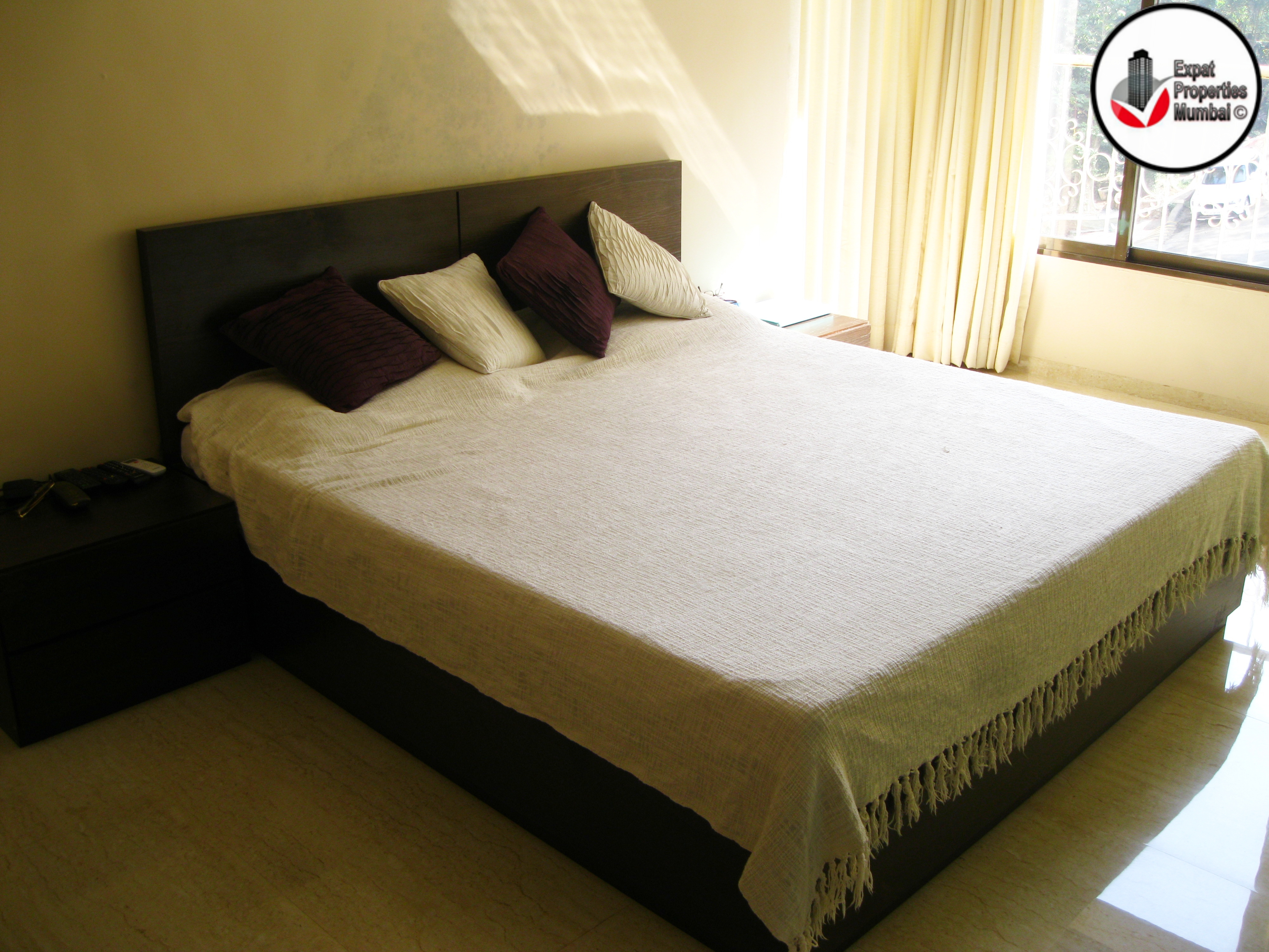 2bhk Apartment for Rent in Pali Hill Bandra,